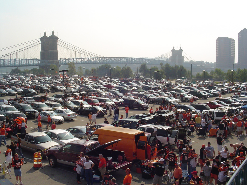 Cincinnati Bengals fans Tailgating at lot d before the game