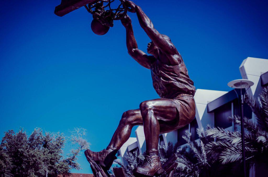 LSU Shaq Statue