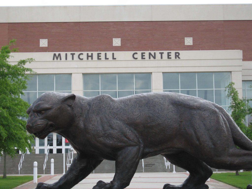 South Alabama Jaguar statue
