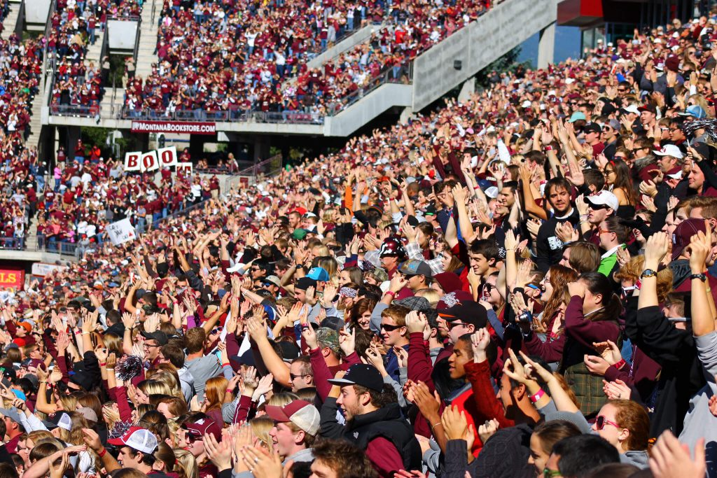 Montana Grizzlies Washington Grizzly Stadium fans