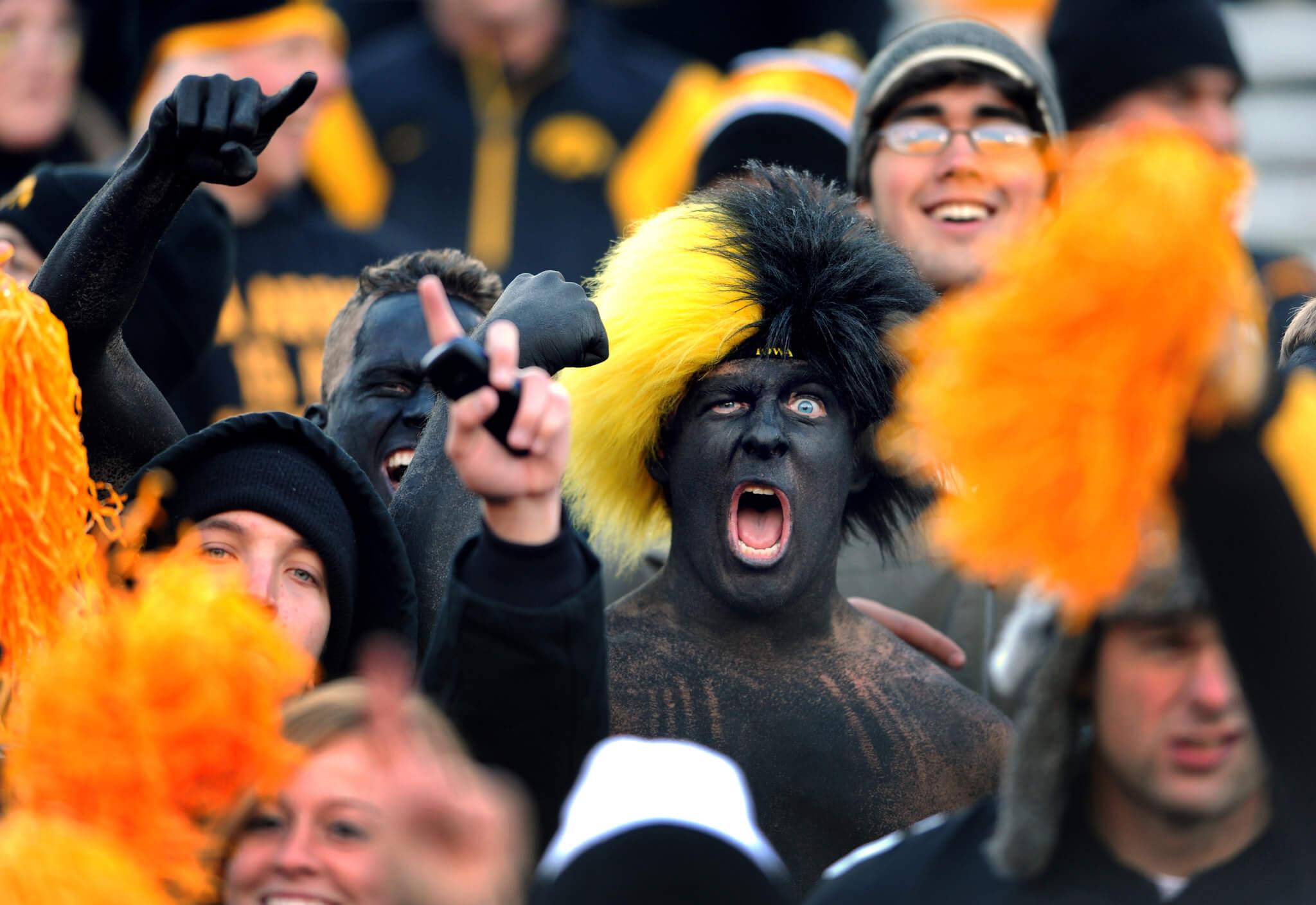 Iowa Hawkeyes fans