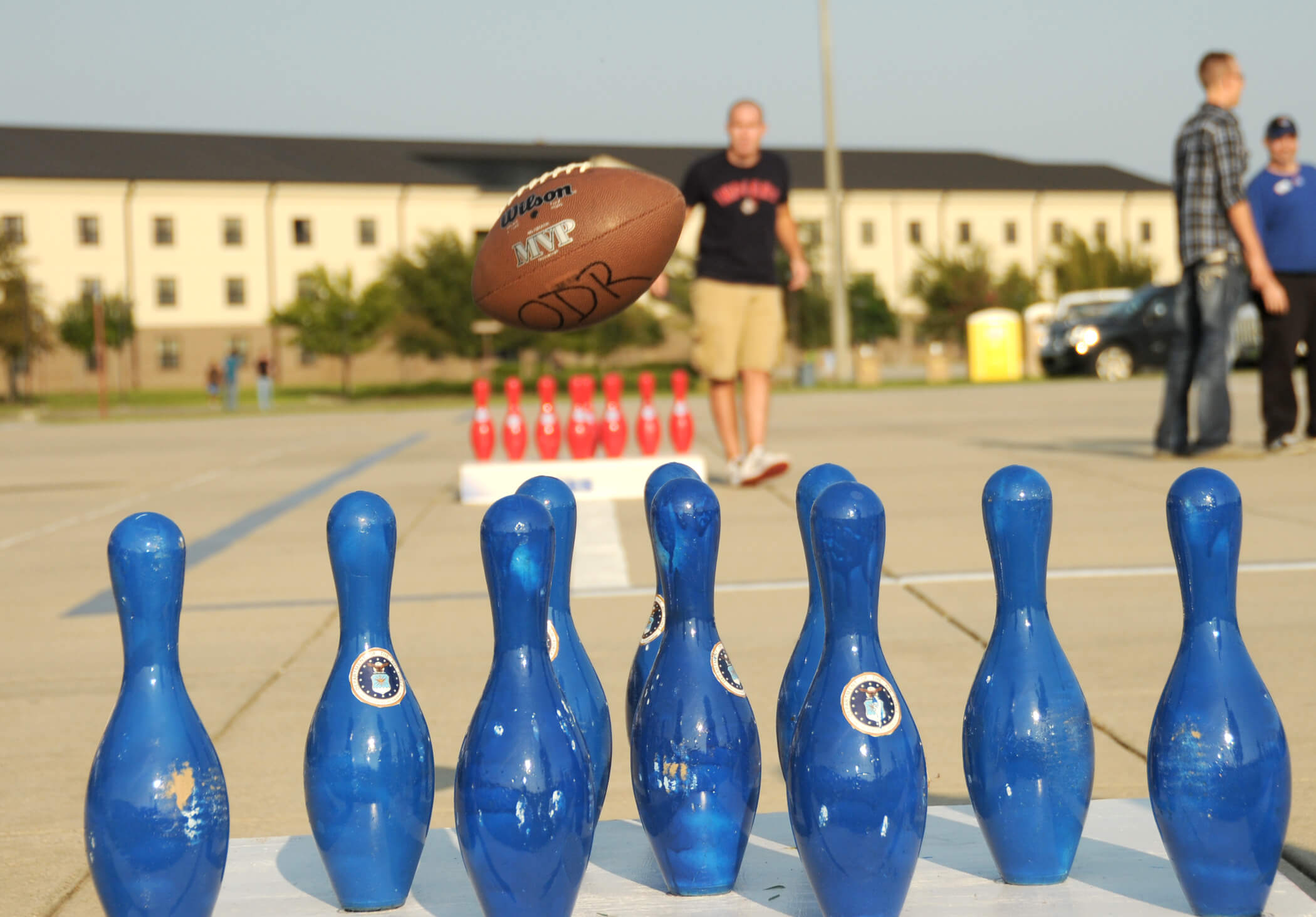 Fowling tailgate game