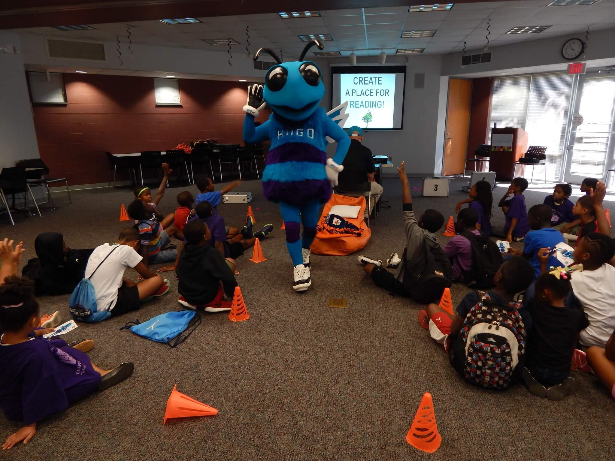 Hugo Charlotte Hornets mascot