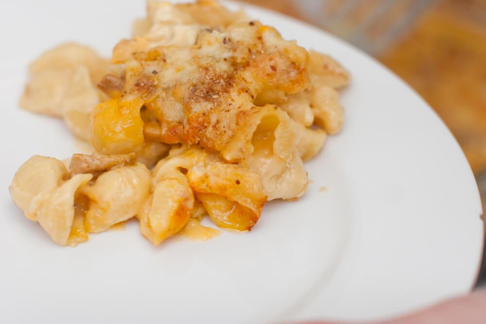 Mac and Cheese tailgate dish